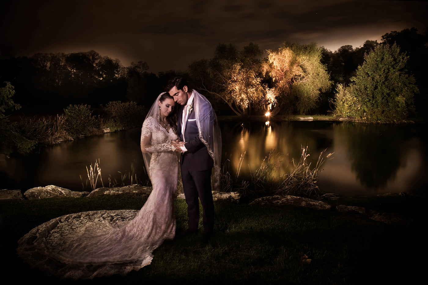 Flash vs. Continuous Light with Cliff Mautner, SanDisk & StellaPro Light | Samy's PhotoSchool