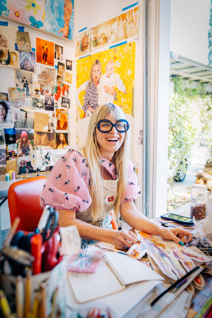 Inti StClair-Artist-painter-Elizabet-Chapin-sitting-in-her-studio-laughing-is20210202_Chapin_0437