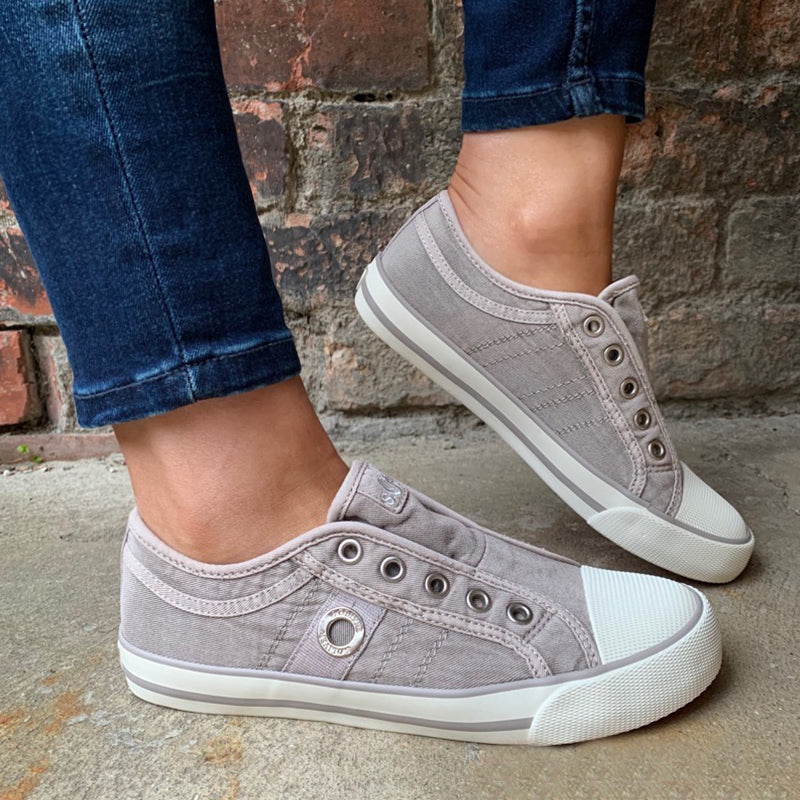 Pi Clue All Season Daily Flat Heel Sneakers
