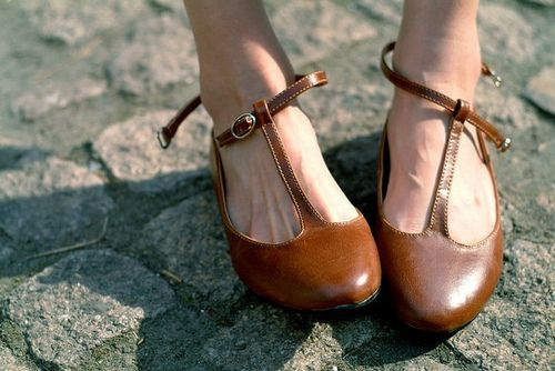Vintage Pointed Toe  Buckle Strap Sandals