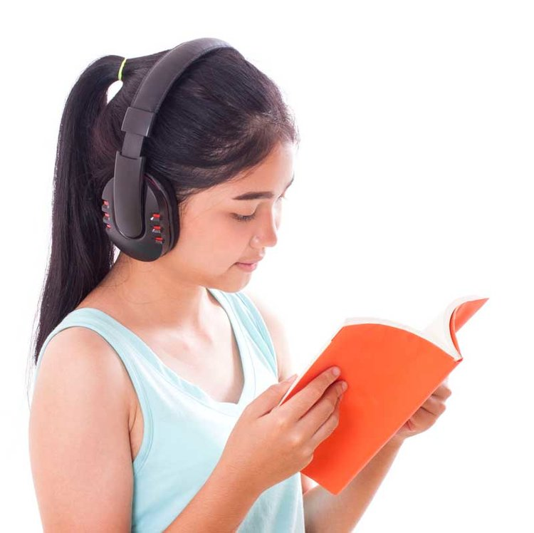 5 Reasons Why Audiobooks are a Great Option for Struggling Readers