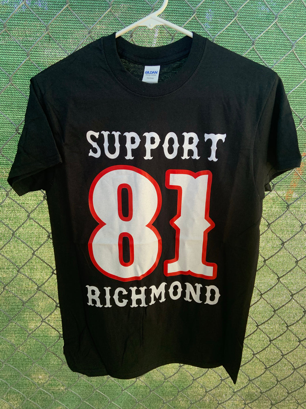 Men's black sleeve shirt with big support 81 richmond on front