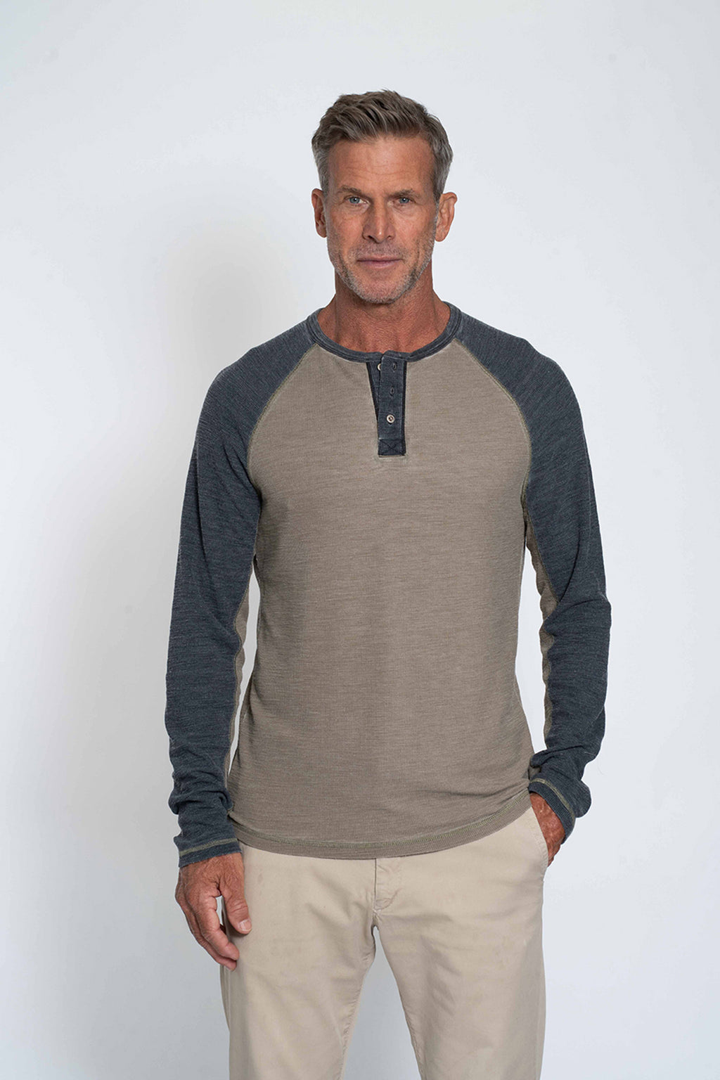 Ribbed Burnout Slub Raglan Henley