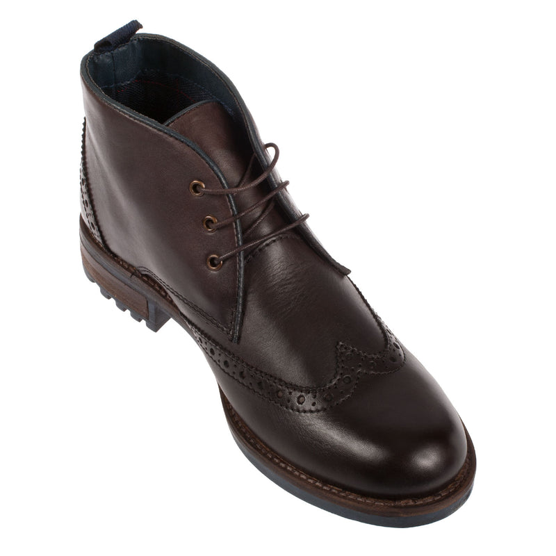 COTSWOLD Men's Avening Leather Wingtip Chukka Boot