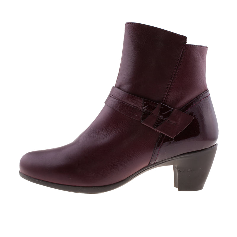 WONDERS Women's SAVAGE Leather Ankle Boot (G-3641)