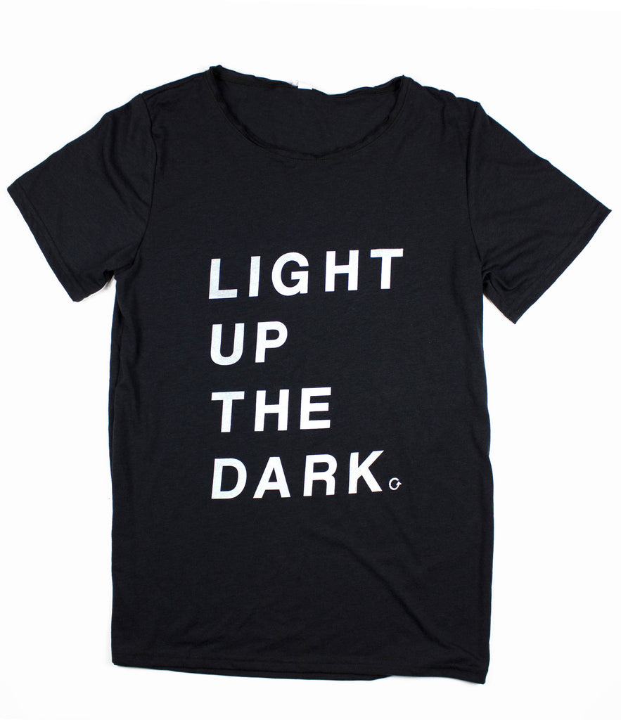 LIGHT UP THE DARK RAW NECK T-SHIRT