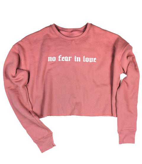 NO FEAR IN LOVE MAUVE WOMEN'S CROPPED CREW FLEECE