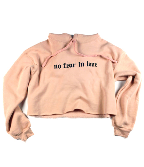 NO FEAR IN LOVE PEACH CROPPED HOODIE