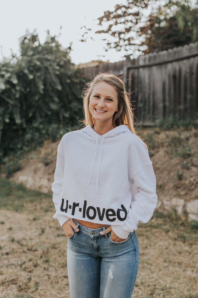 U.R.LOVED WHITE CROPPED HOODIE