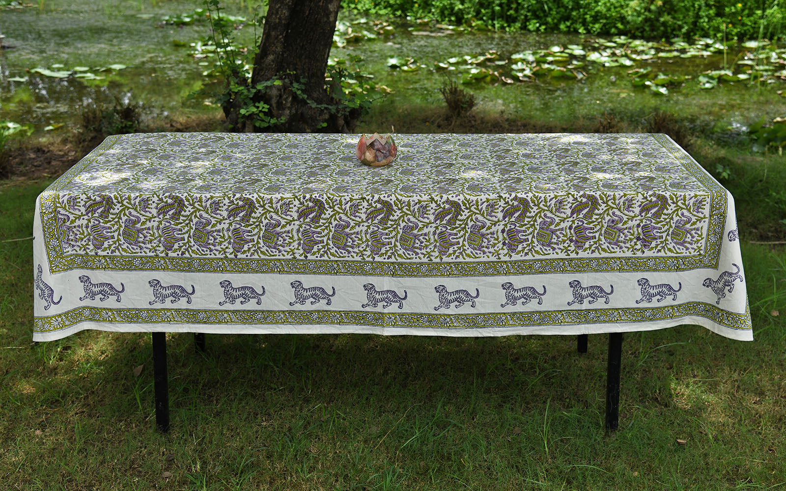 Amer Table Cover