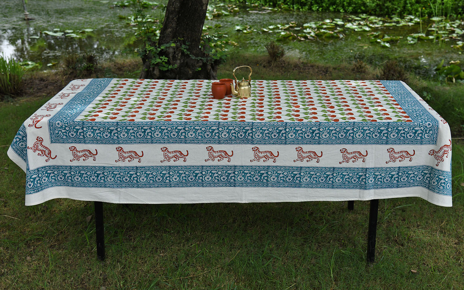 Marie Gold Table Cover