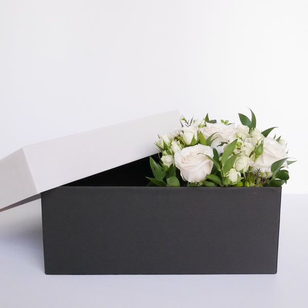 White flower bouquet - Gift box add on