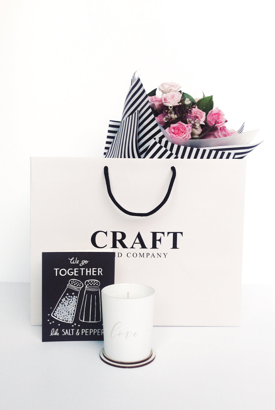 Flowers and love candle gift set