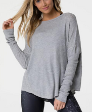 Load image into Gallery viewer, Onzie Raglan Pullover