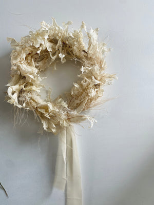 dried wreath: whites