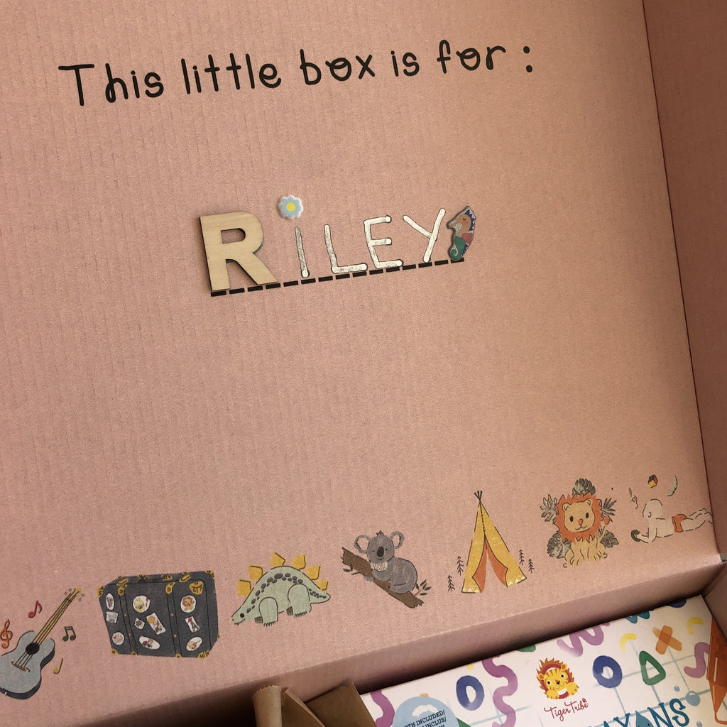 Eco Friendly and Customisable Gifting Boxes. Personalisation can be done straight away with little stickers on the box and the name of the lucky receiver.