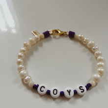 Load image into Gallery viewer, 'YOUR TEAM' PEARL BRACELET WITH CLASP
