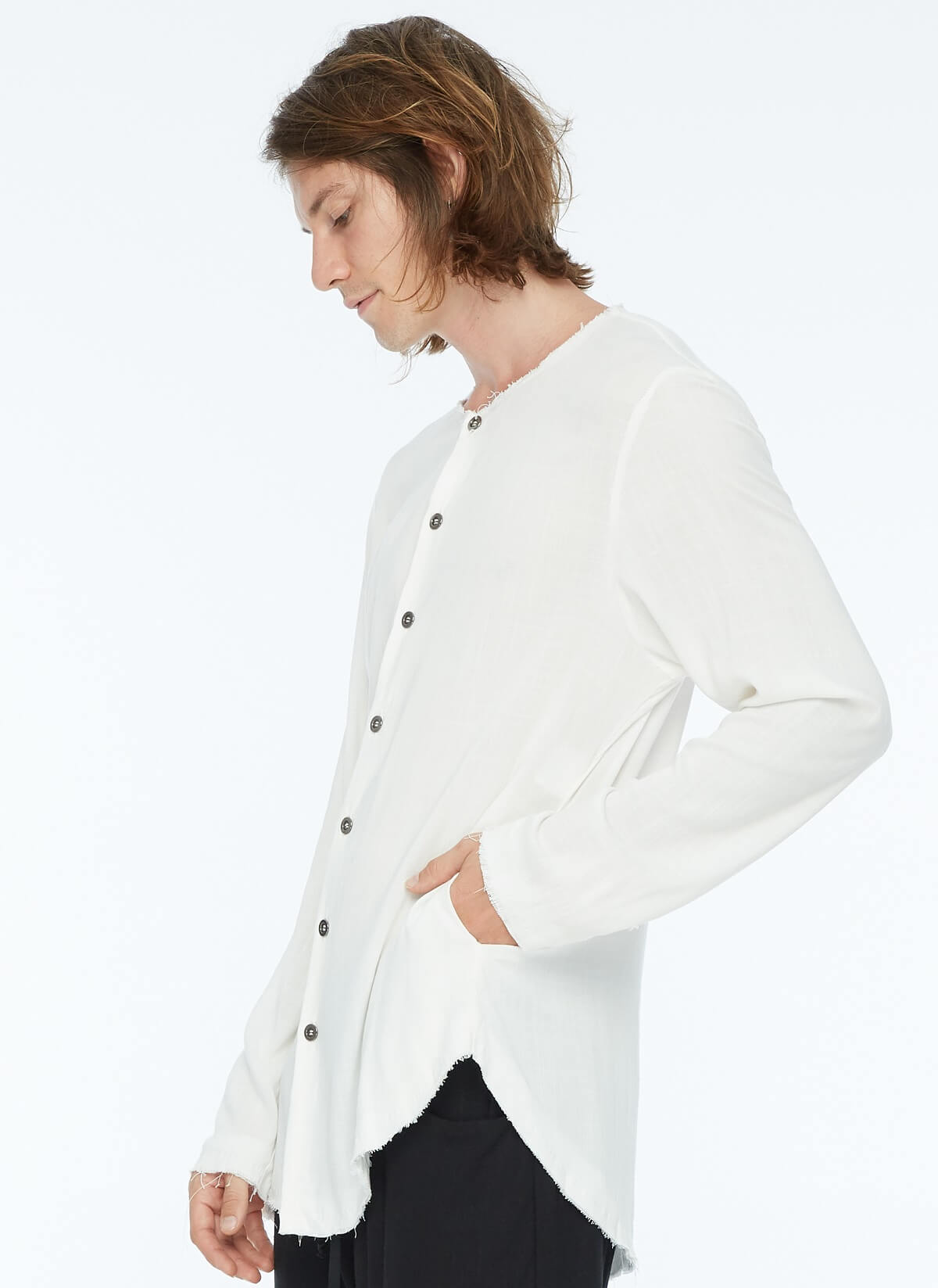 FRAYED COLLARLESS SHIRT WHITE