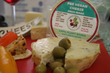 Load image into Gallery viewer, FGF VEGAN - Olives Cheeze-FGF Vegan
