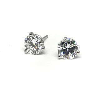 1.58CTTW DIAMOND STUD EARRINGS.