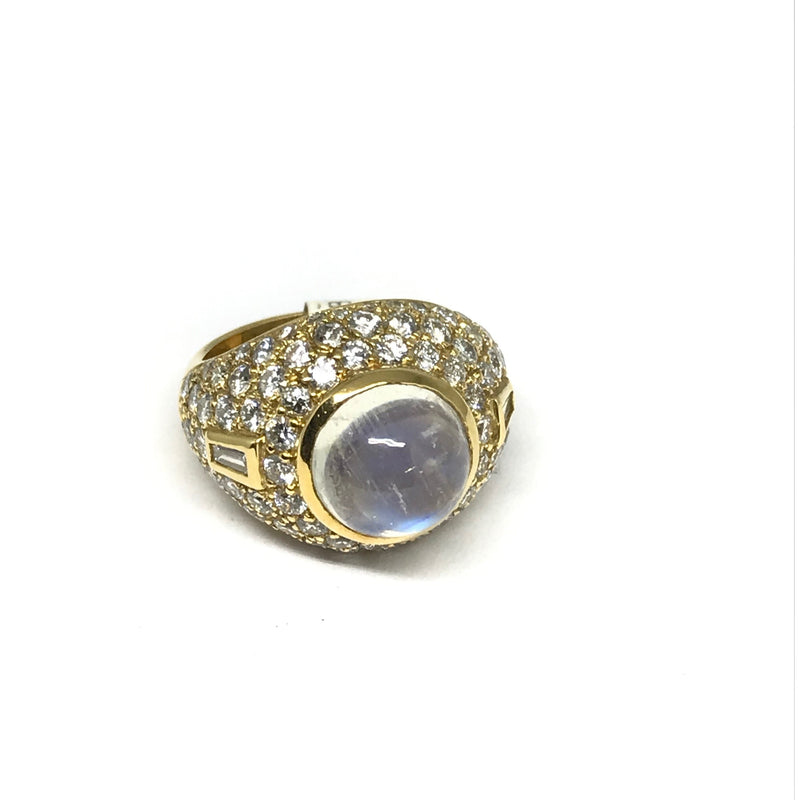 18K MOONSTONE AND DIAMOND RING