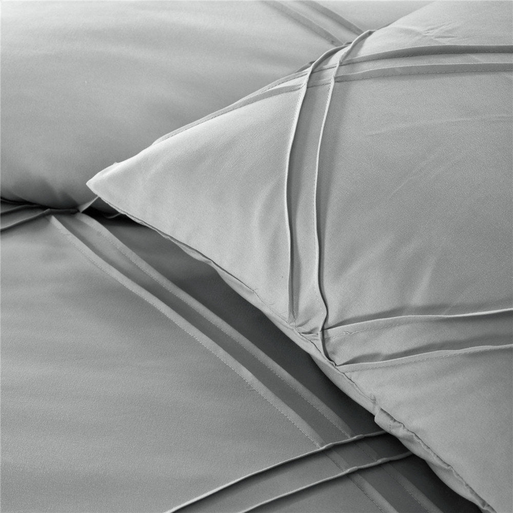 Premium Ultra Soft 3 Piece Microfiber Queen Duvet Cover Set
