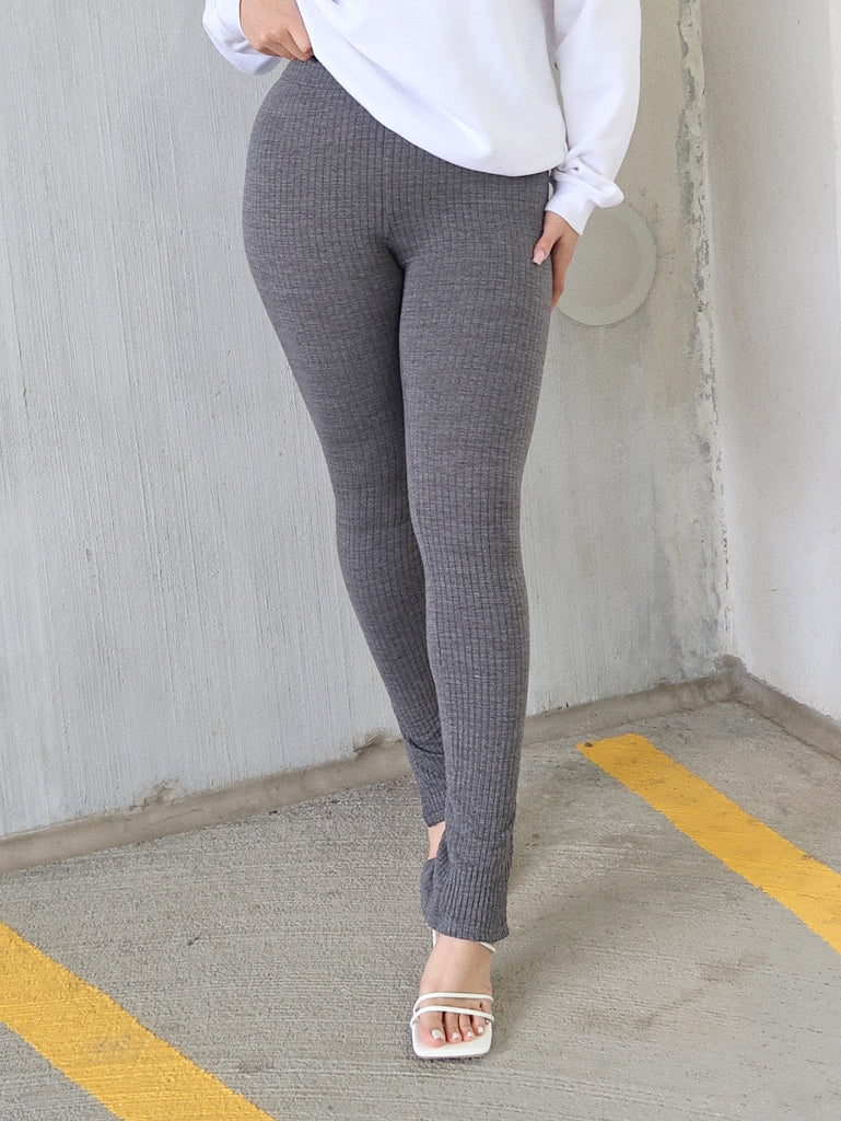 SPLIT KNIT LEGGINGS