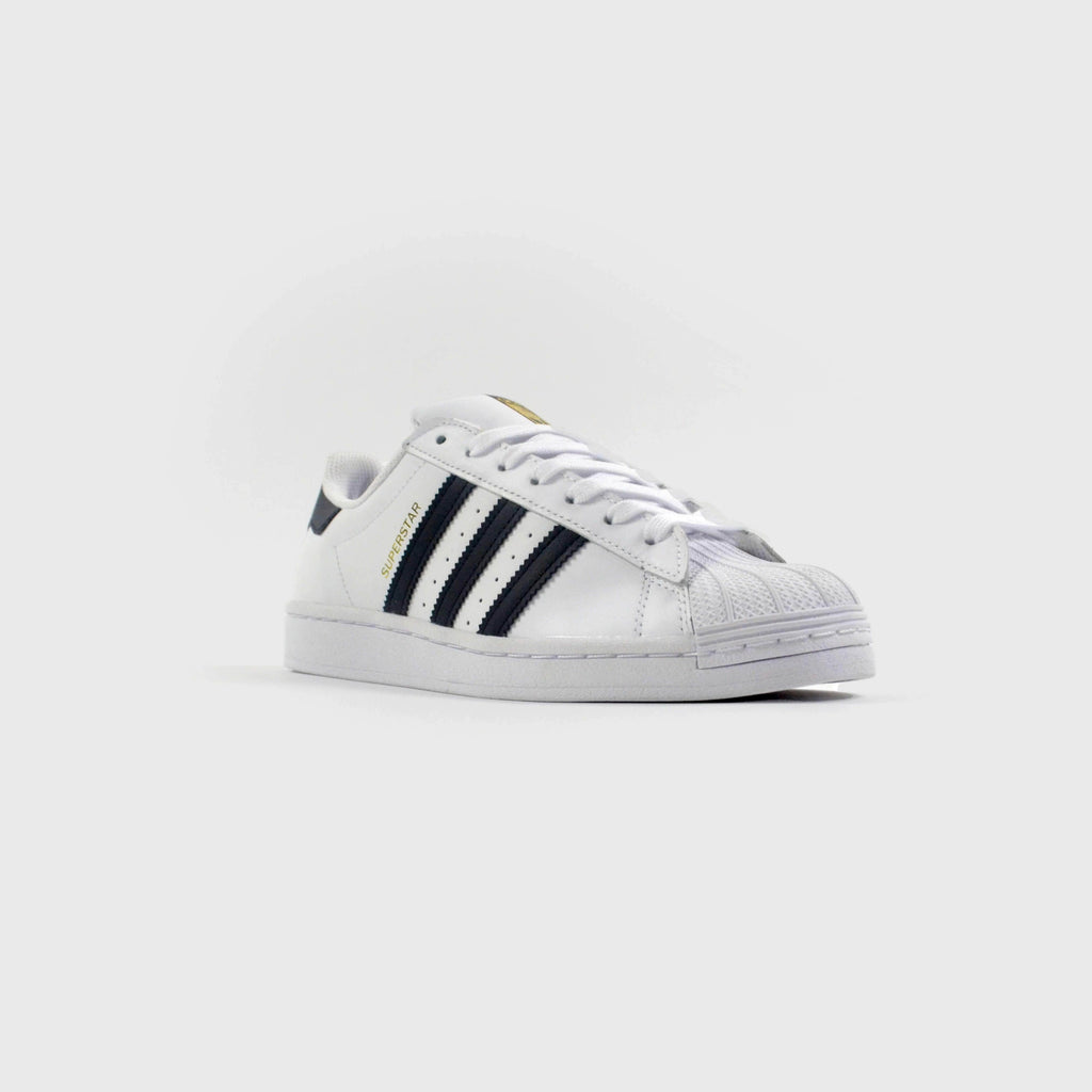 Adidas Superstar white/black side front View