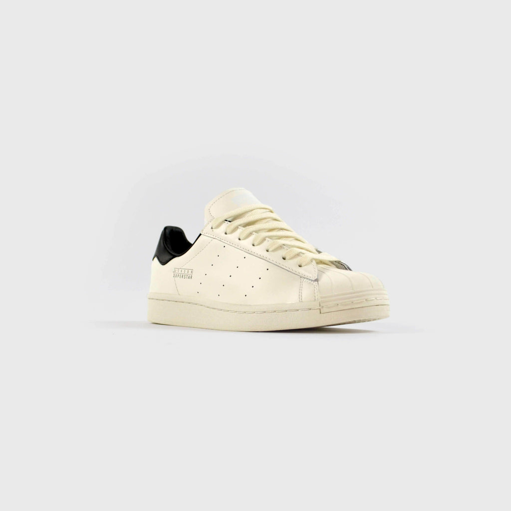 Adidas Superstar Pure London - Cloud White / Core Black / Gold Metallic Front View