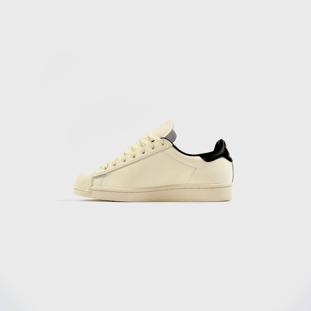 Adidas Superstar Pure London - Cloud White / Core Black / Gold Metallic Outside View