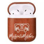 Laden Sie das Bild in den Galerie-Viewer, Faux Leather Airpod Case