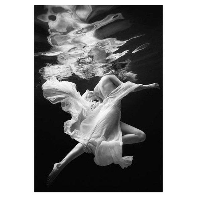 Fashion Wall Art Black White Underwater Woman Print Sexy Female Poster Canvas Art Beauty Wall Picture Painting Modern Home Decor
