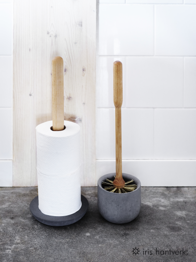 Iris Hantverk Birch Wood Toilet Brush in Concrete Cup Grey