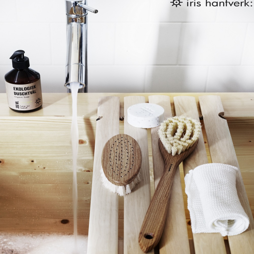Iris Hantverk Bath Brush With Long Handle