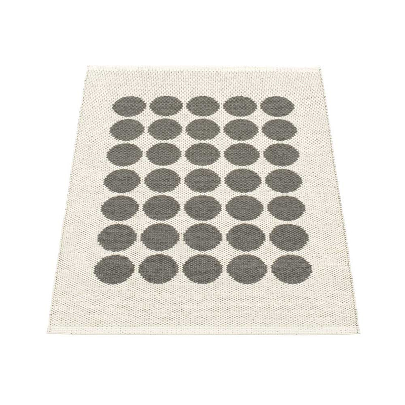 Pappelina Fia Rug Charcoal and Vanilla 70 x 100cm