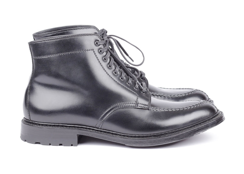 M6902C E - Split Toe Boot - Black