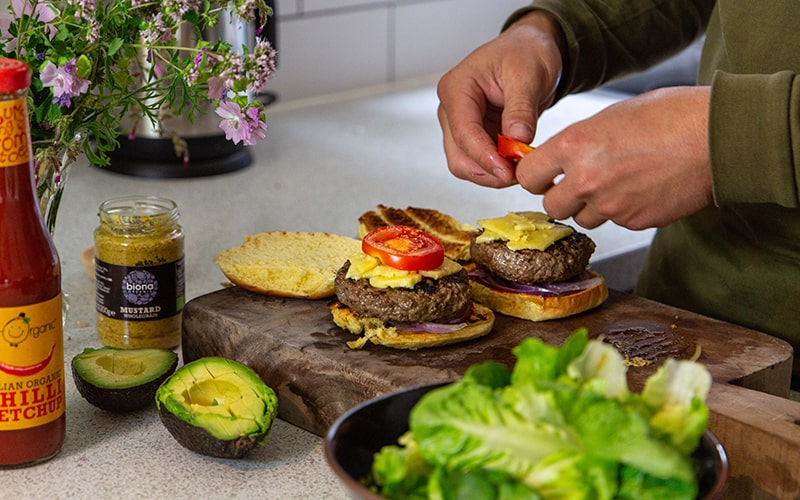 burger toppings, cooking burgers with eversfield organic meat