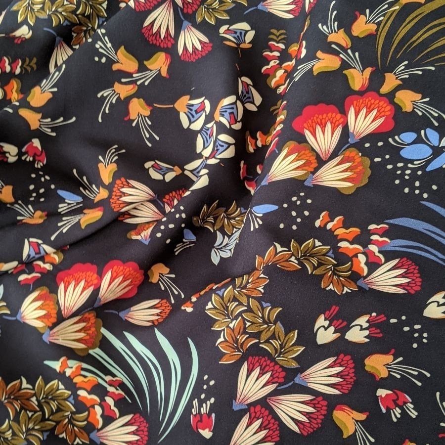 Atelier Jupe Navy Autumn flowers print overview
