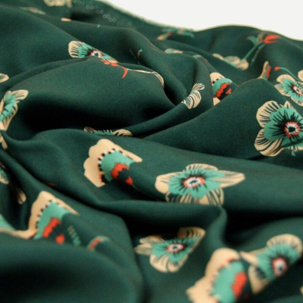 Atelier Jupe viscose in Sweet Flower print close up view