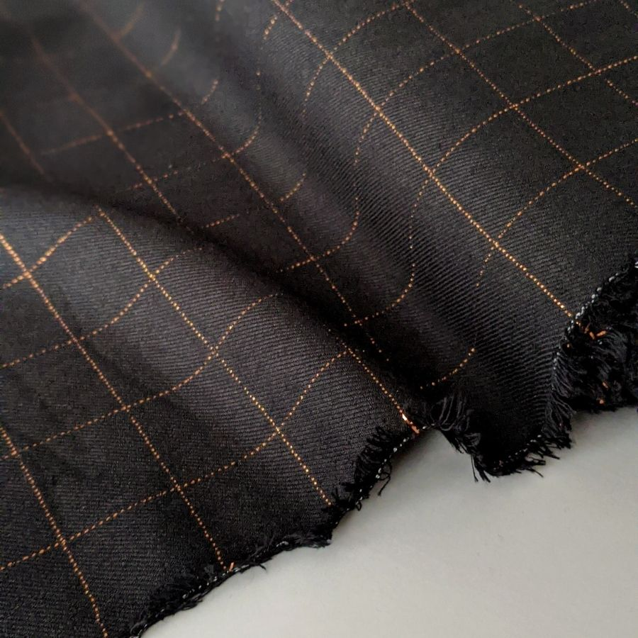 Eglantine et Zoe black check on viscose base