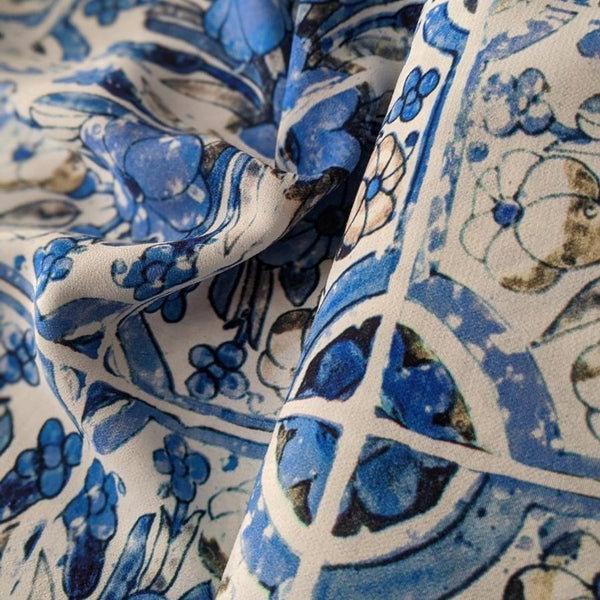 Fabric Godmother Loseta Viscose in blue