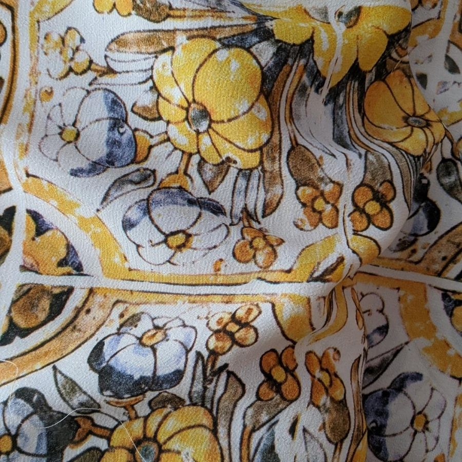 Fabric Godmother Loseta Viscose in sunshine close up view