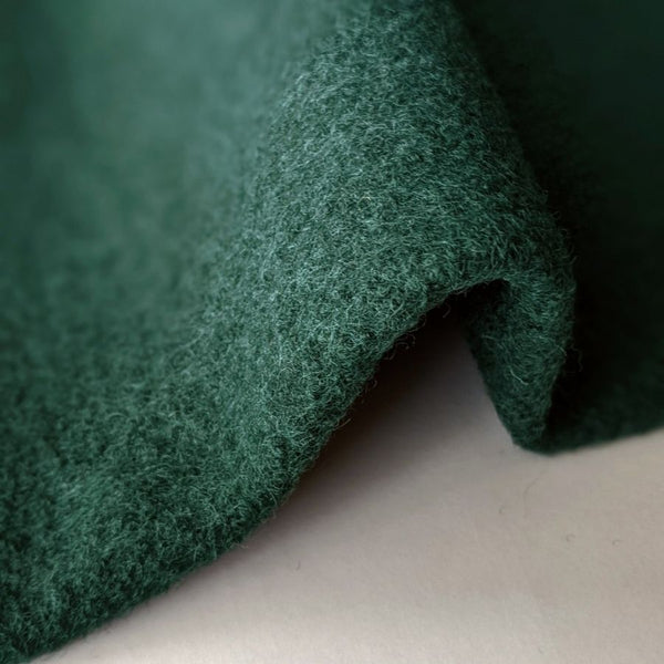 Good Fabric Wool Boucle Emeralrd green