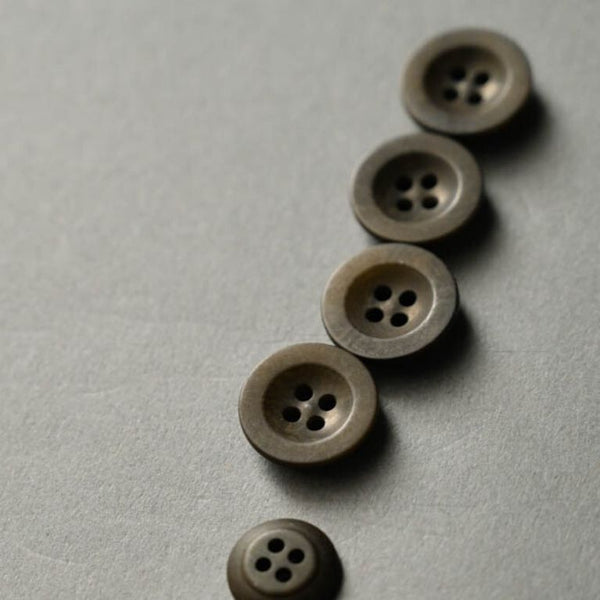 Merchant & Mills Corozo buttons 18mm in Khaki