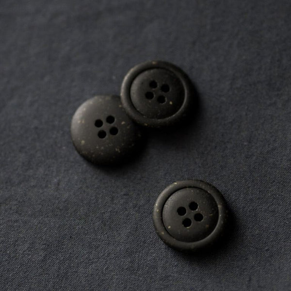 Merchant & Mills Recycled resin buttons 20mm in black