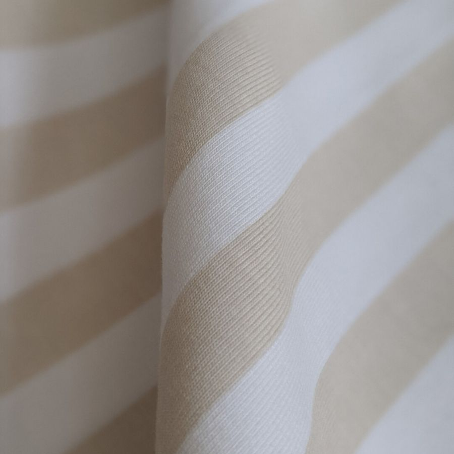 Tygdrommar cotton jersey vertical lines sand close up