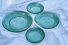 Load image into Gallery viewer, Nesting Bowls (Set of 4)