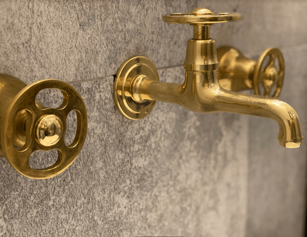 BT61 Wall mounted traditional triple handles tap