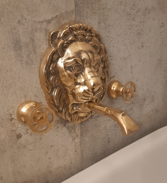 BT66 Wall mounted taps with Regal Lion head