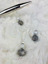 Load image into Gallery viewer, Stitch Markers for Knitting - White and Grey Marble